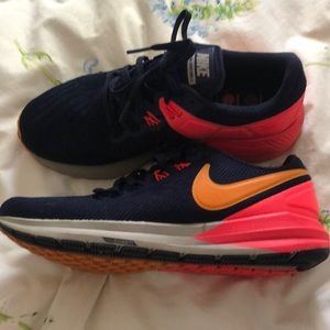 Nike 7.5 zoom structure 22